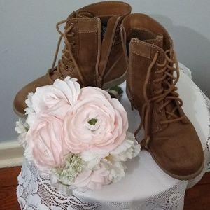 American Eagle zip side girl Boots
